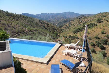 traditional farmhouse with private pool - Colmenar