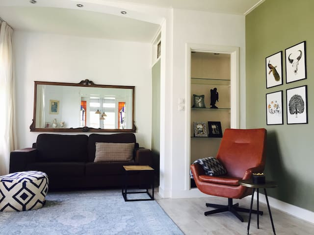 Tastefull double story 2 bedroom appartment/house