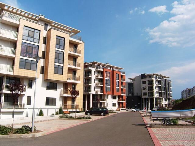 Апартамент в закрытом комплексе - บูร์กาส