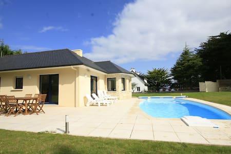 Villa moderne avec piscine privée à Plestin-les-Grèves