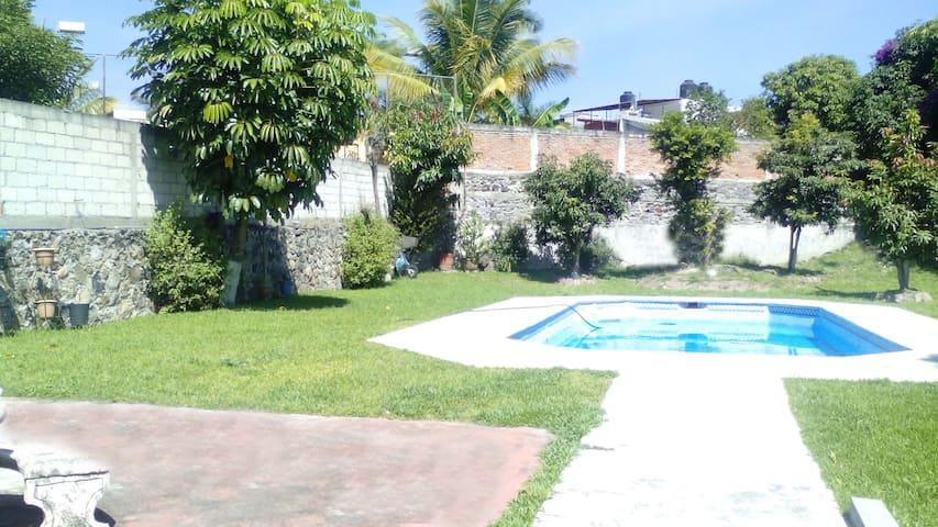 Amplio jardín y Alberca privada! - Cuernavaca - Bed & Breakfast