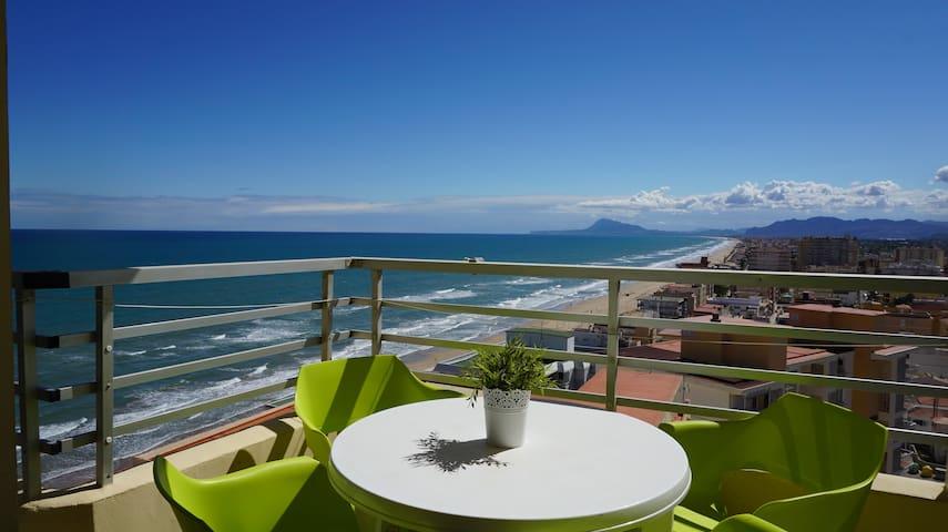 Apartamento primera linea playa con WIFI