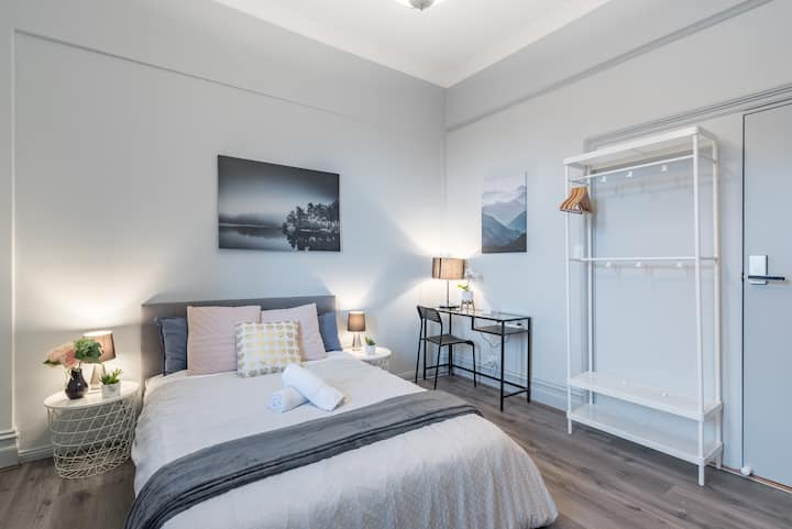 Boutique Private Rm situated in the heart of Burwood4