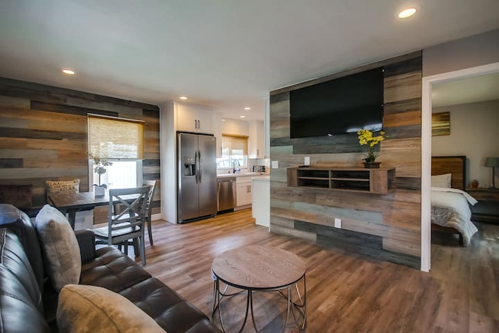 Modern Renovated Bayside Condo