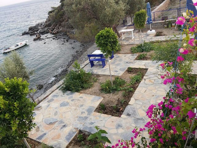 Fantastic Sea front / With private beach - Milas - Wohnung