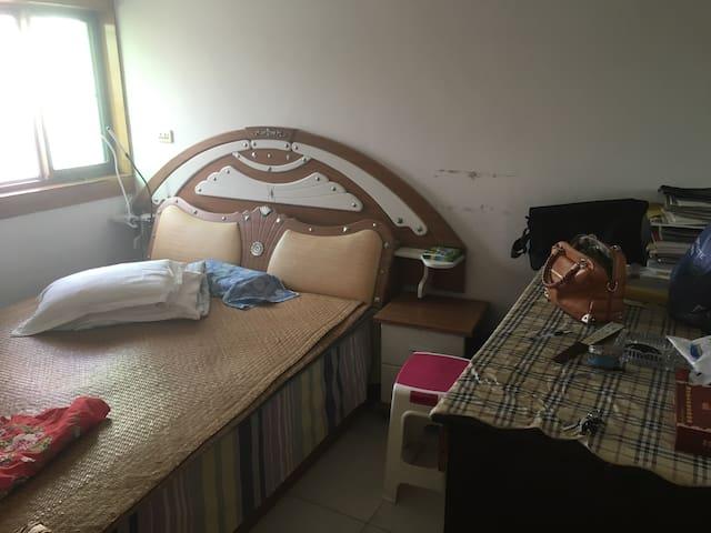 温馨公寓独立房间一间,设施齐备