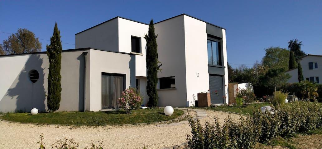 MAISON D'ARCHITECTE TERRASSE CALME, NATURE&CONFORT