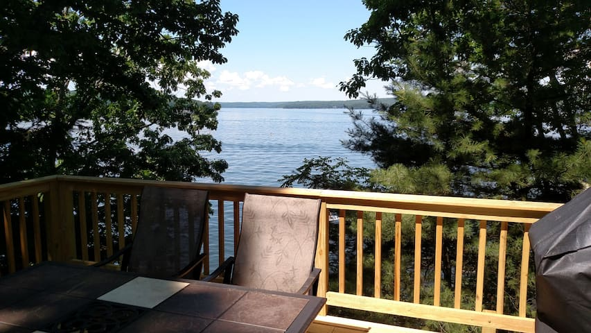 Lake Wallenpaupack direct lakefront w Dock - Hawley - Apartment