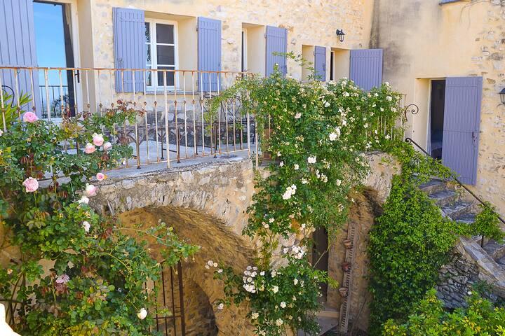 Ancien Moulin rénové, gîte de charme de Séguret