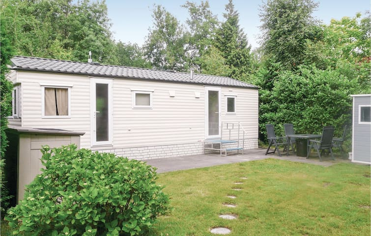 Holiday cottage with 2 bedrooms on 30m² in Woerdense-Verlaat