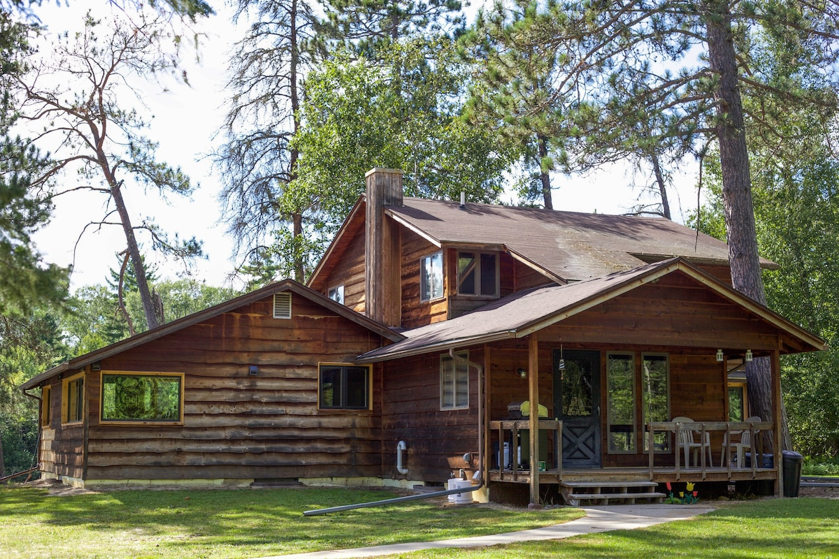 andromeda lake house houses for rent in crane lake minnesota rh airbnb com Lakefront Cottage Rentals Wisconsin Cottage Rentals