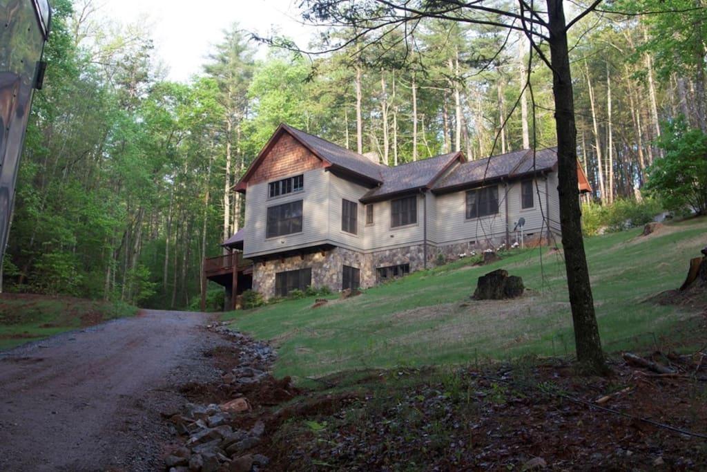 Mountain retreat lake rabun vacation homes for rent in lakemont georgia united states - Large summer houses energizing retreat ...