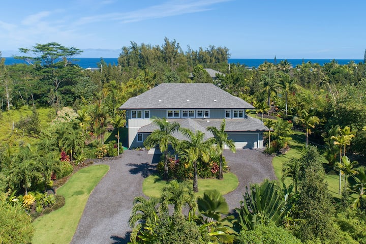 Hawaii Life Rentals presents Gorgeous Home on Private Landscaped Acre-3BR/3BA - King's Fish House Estate