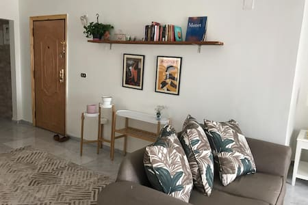 Bright spacious apartment in great location