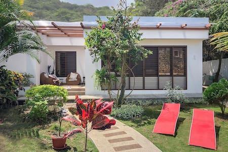 CASA PARAÍSO - Cozy Beachfront House