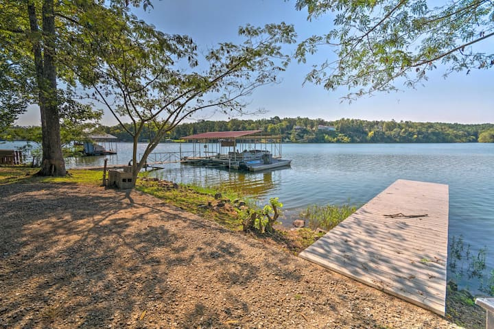 NEW! Waterfront Home w/Dock - 8.8Mi to Hot Springs