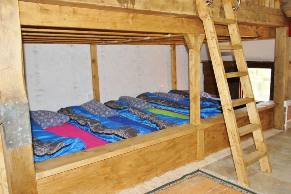 Bottom bunk platform in bunkhouse Bethan