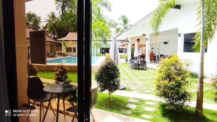 Chinita Boutique Hotel: Bed, Breakfast & Pool