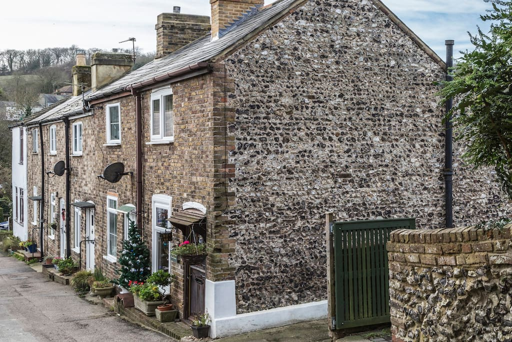 The cottage was built in 1824 and is in the conservation area of this little village which has two water mills, an old church and sits in the Alkham Valley