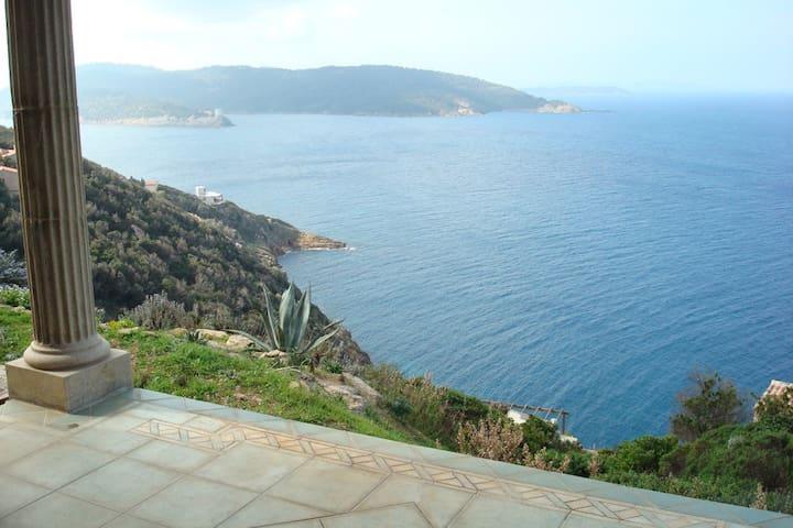Incroyable vue ! Studio naturiste des Logis de Lau - Hyeres - Dům pro hosty