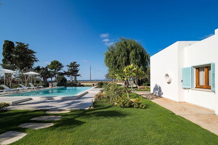 Villa Nubia - 14 Guests