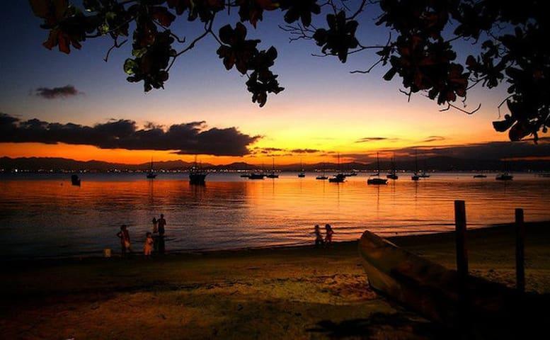 Apto com vista magnífica para Lagoa da Conceição!