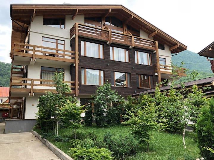2х комнатные апартаменты с видом на горы!
