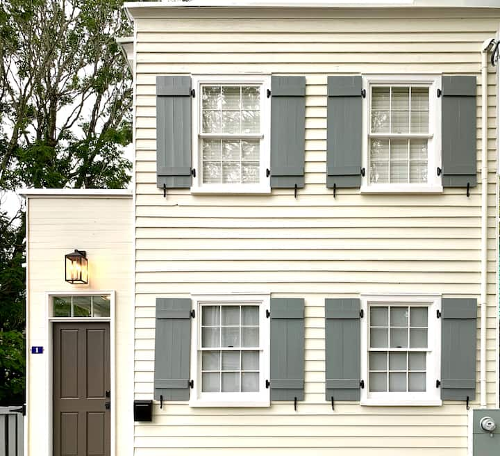 Newly Restored, Downtown Charleston Historic Home