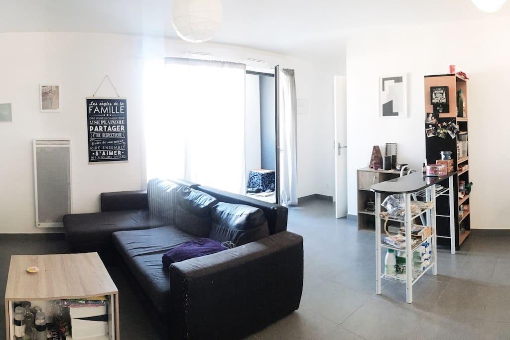 chambre priv e spacieuse quartier ovalie appartements louer montpellier occitanie france. Black Bedroom Furniture Sets. Home Design Ideas