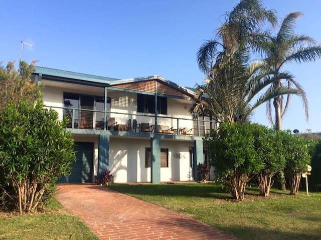 Driftwood Beach House - Old Bar - Casa de férias