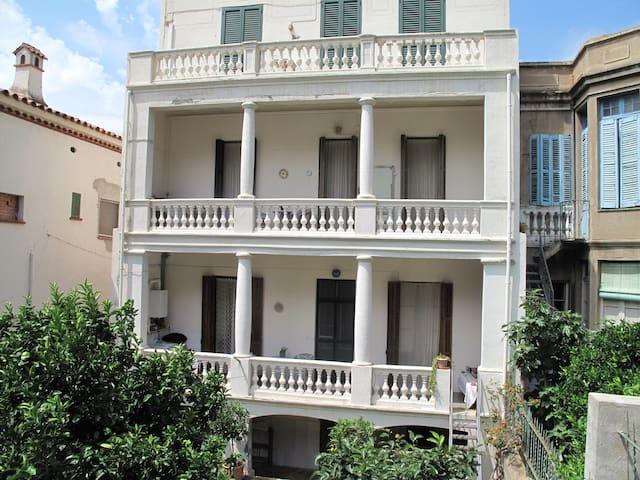 Bonito apartamento en pueblo slow en Costa Brava. - Portbou - Wohnung