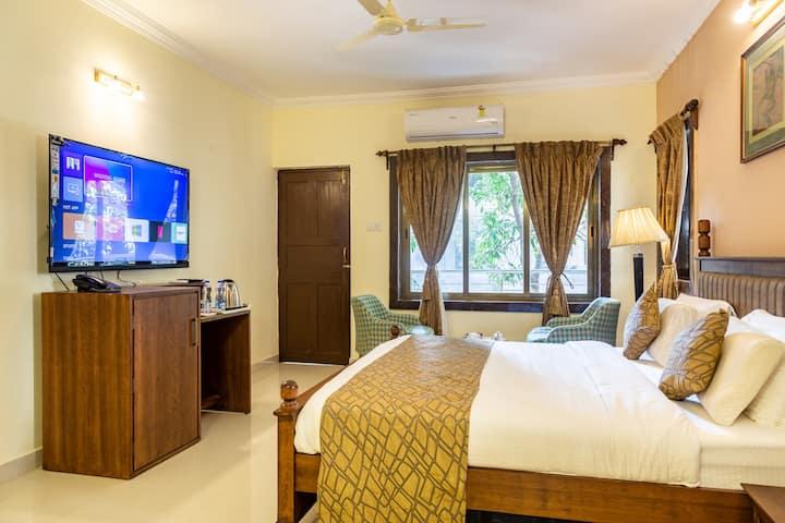 Q O Suites & Villas, Candolim, Goa