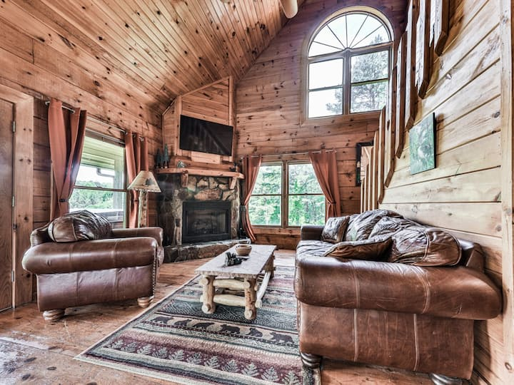 The Bear's Den of rustic elegance