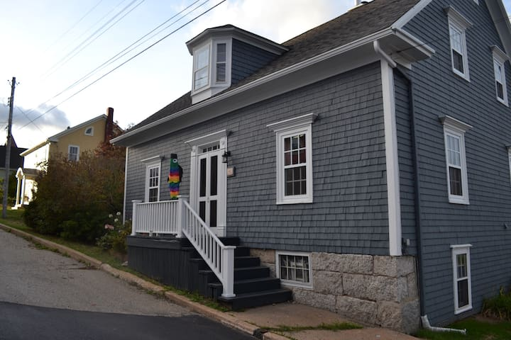 Charming Family Home in Historic Lunenburg - Lunenburg - Casa