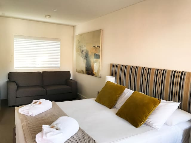 Thirroul Boutique Hotel - Deluxe Double Room