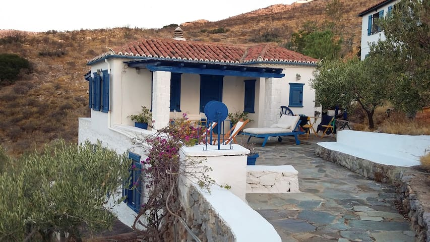 The Olive Trees House (with panoramic sea view)