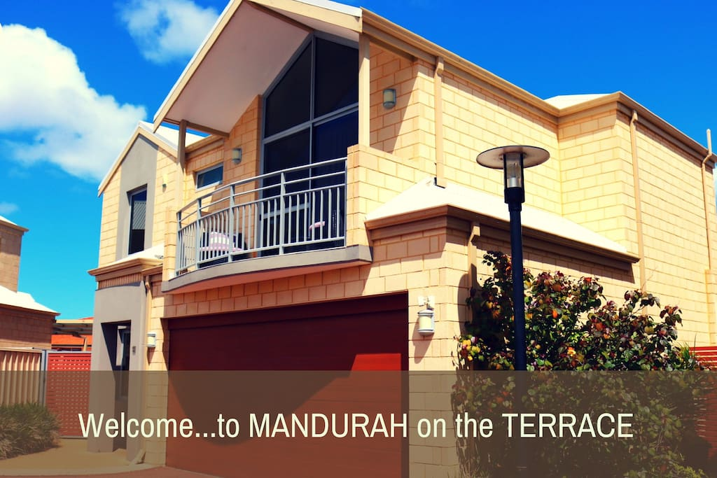 Welcome to MANDURAH on the TERRACE, a beautiful well equipped and perfectly located townhouse.