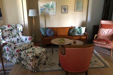 Kläpp Gård - 70 kvm lägenhet i gårdshus