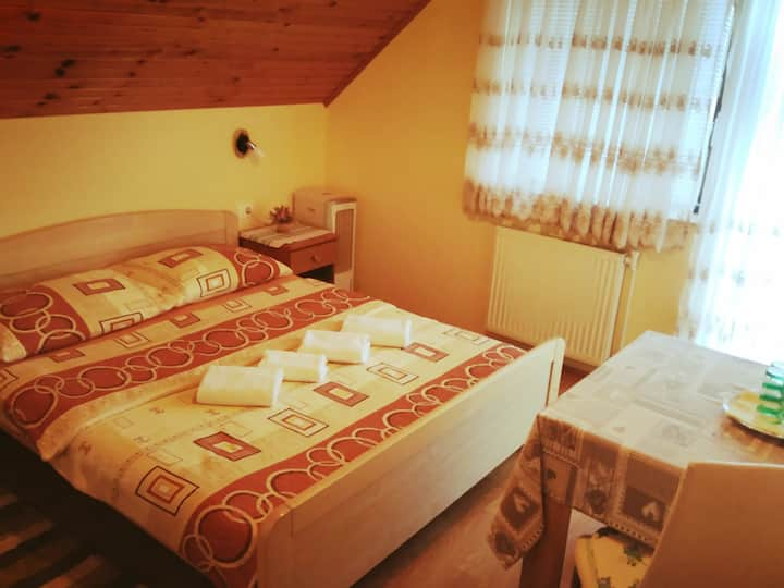 Plitvice lakes, First stop,4bedroom