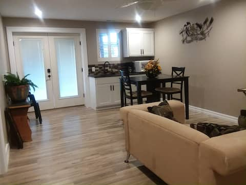 Minutes from downtown Omaha, Lake Manawa Suite