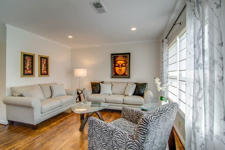 Spacious home for large groups close to downtown.