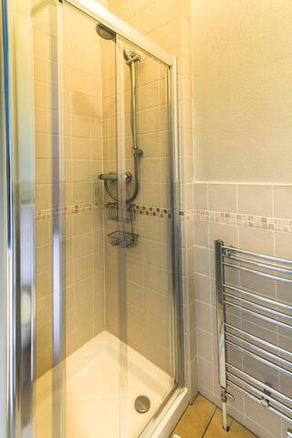 Walk in en suite shower room.