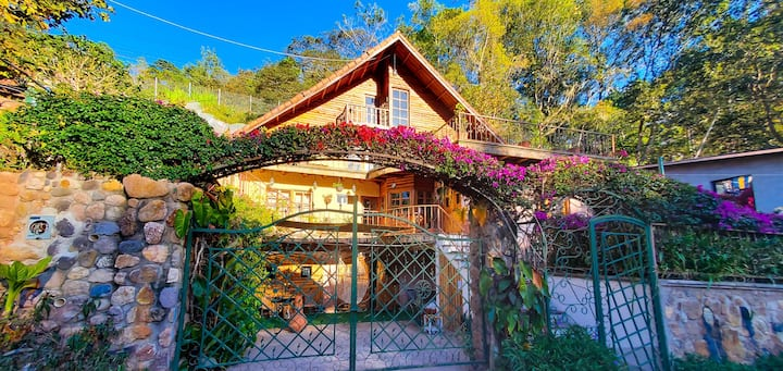 Habitación rústica en Chalet - Santa Lucía