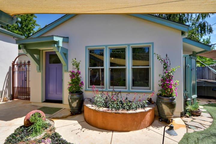 Garden Studio in Convenient Curtis Park