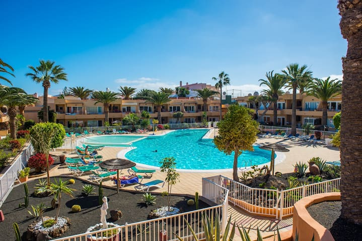 Corralejo Tropical 3 Dunes Apartment with Pool