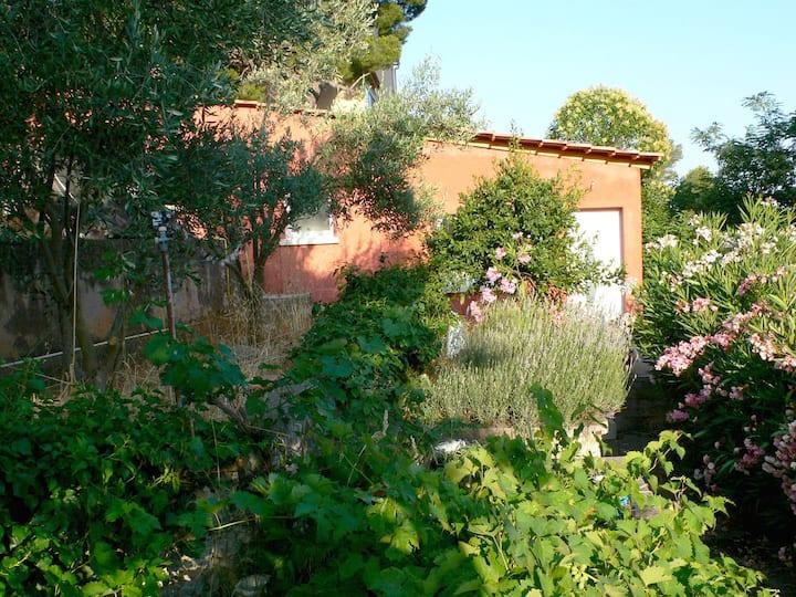 Studio au jardin