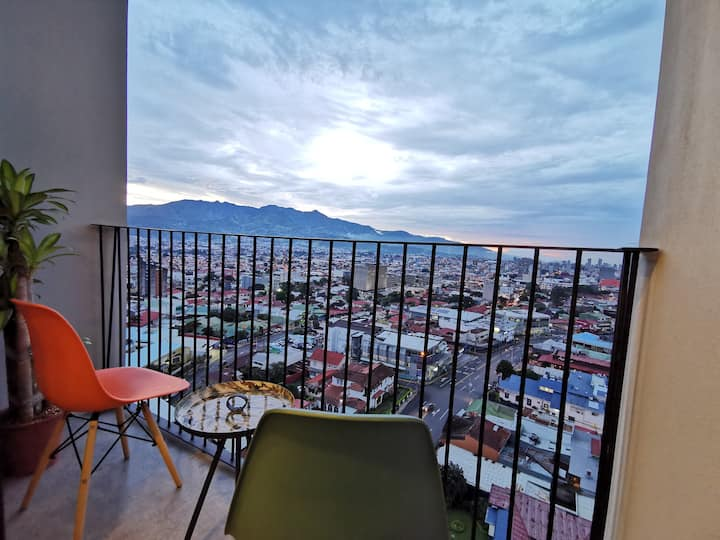 Stunning View Condo in Gastro Zone