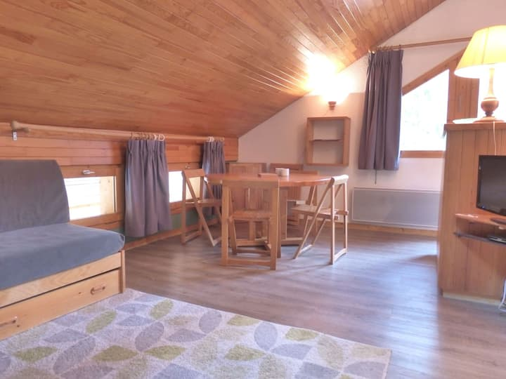 3 rooms apartment for 6 pers. located in MERIBEL ALTIPORT, close to the slopes and to the golf