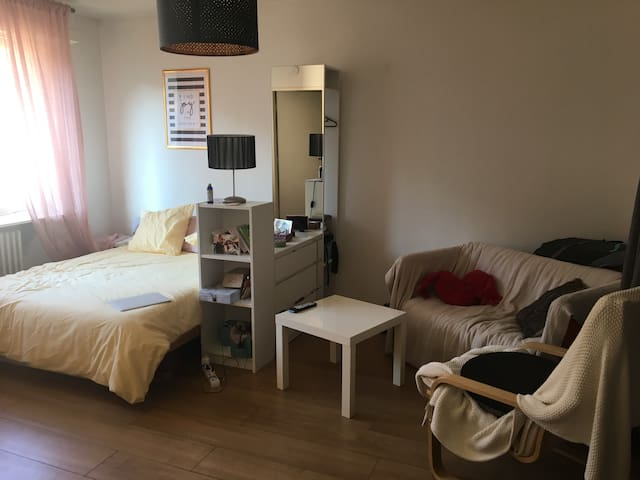 Cute and cozy flat near City Center