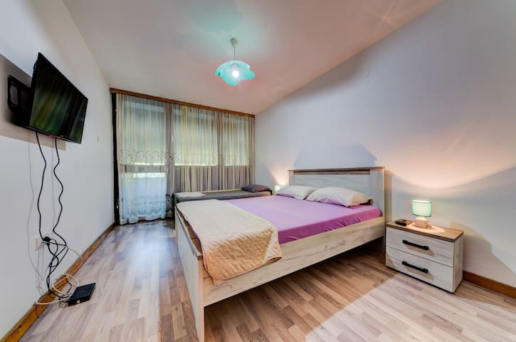 Private and Peaceful Apartment near City Center